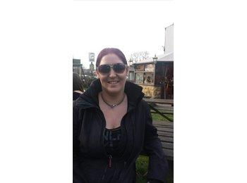 EasyRoommate UK - Sarah  - 36 - Wakefield