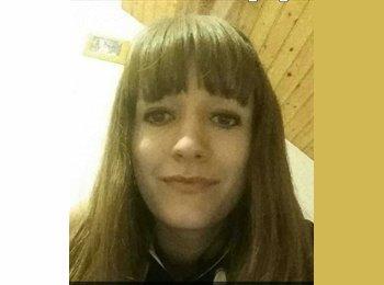 Adele - 22 - Student