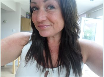 EasyRoommate UK - Amy - 58 - Fareham and Gosport