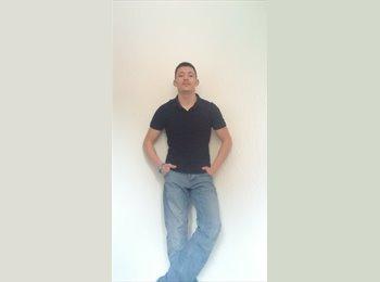 EasyRoommate UK - Michael - 29 - Macclesfield