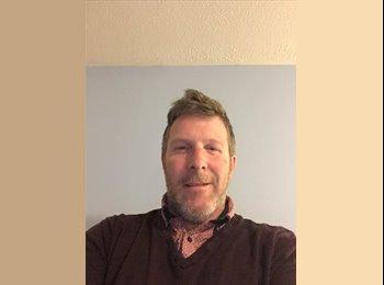 Greg - 40 - Professional