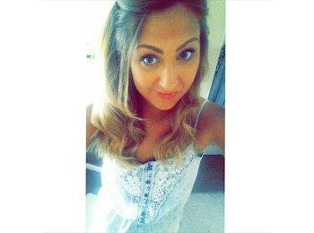 Shelley - 25 - Professional