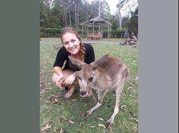 Lauren - 23 - Student
