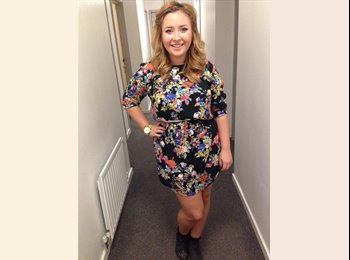 EasyRoommate UK - Lucy - 21 - North Surrey