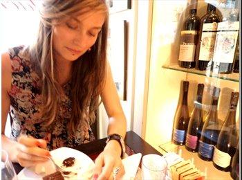 EasyRoommate UK - Anna - 26 - Bristol