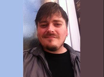 EasyRoommate UK - Andrew - 37 - Stoke-on-Trent