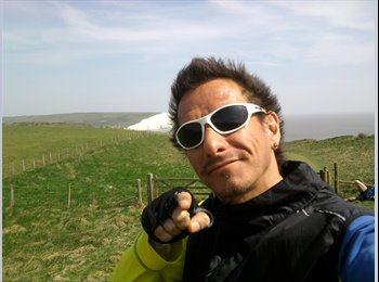 EasyRoommate UK - Diego - 44 - Stoke-on-Trent