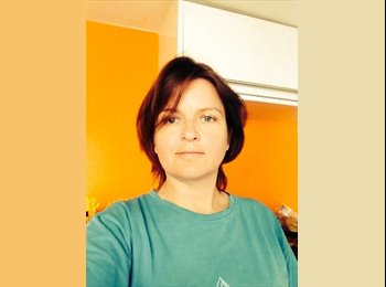 EasyRoommate UK - Claire  - 37 - London