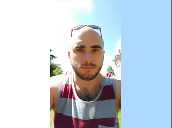 EasyRoommate UK - Giacomo - 25 - Bournemouth