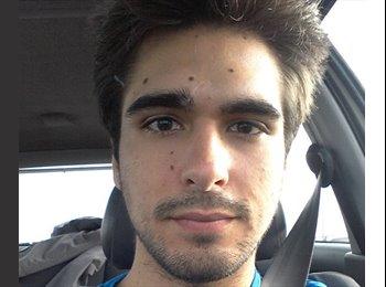 Alejandro - 25 - Student