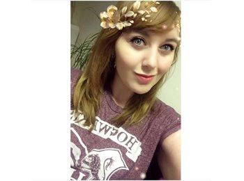 EasyRoommate UK - Nicole - 18 - Ashford