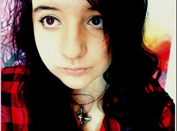Zoi - 18 - Student