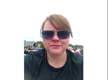 EasyRoommate UK - Danielle - 29 - Hart and Rushmoor