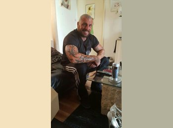 EasyRoommate UK - michael - 30 - Stockport