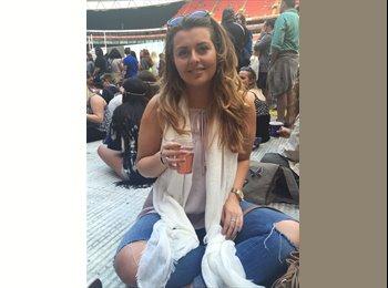 EasyRoommate UK - Larissa   - 23 - Hemel Hempstead