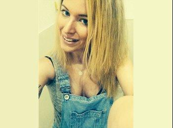 EasyRoommate UK - Rebecca  - 27 - Northampton