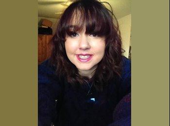 EasyRoommate UK - Heather - 19 - Macclesfield