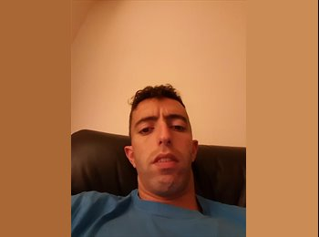 EasyRoommate UK - Jose - 28 - Newark