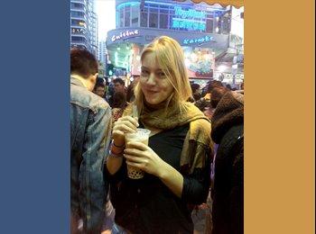 Alisa - 24 - Student