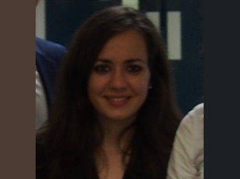 Maria - 26 - Student