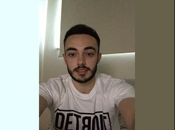 EasyRoommate UK - Tom  - 22 - Northampton
