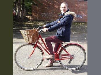 EasyRoommate UK - Phoebe - 25 - Oxford