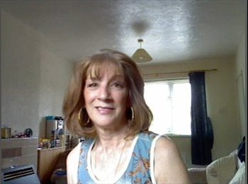EasyRoommate UK - Michele - 63 - Newcastle under Lyme