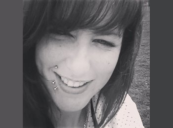 EasyRoommate UK - Charlene  - 31 - Newbury