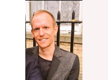EasyRoommate UK - David - 33 - Gillingham