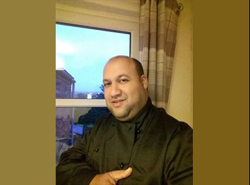 EasyRoommate UK - Edward - 41 - Swindon