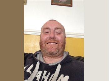 EasyRoommate UK - Andrew - 39 - Stoke-on-Trent