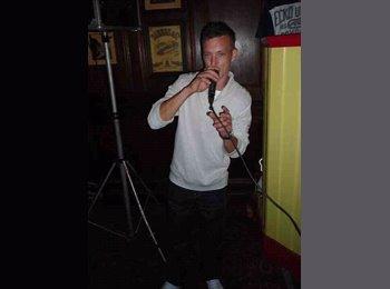 EasyRoommate UK - Chris  - 31 - Basildon