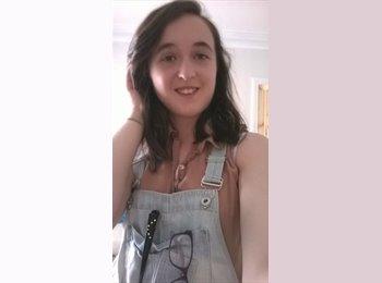 EasyRoommate UK - Melissa - 18 - Kirklees