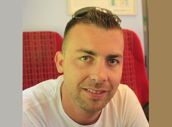 EasyRoommate UK - Olivier - 26 - Hart and Rushmoor