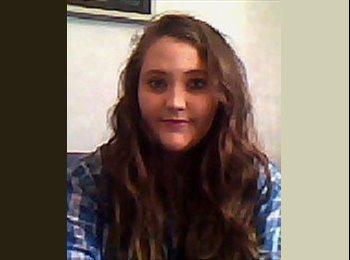 Kezia - 18 - Student