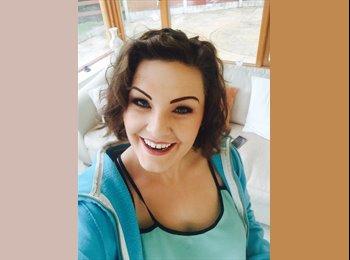 EasyRoommate UK - Rachel McSweeney - 22 - Guildford