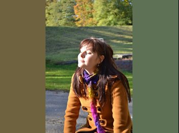 Gabriela - 23 - Student