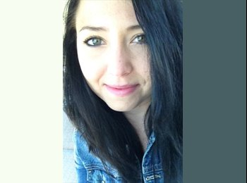 Sarah Coyston  - 26 - Professional