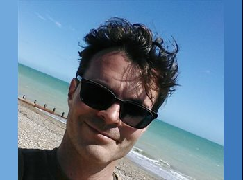 EasyRoommate UK - Philippe - 40 - Chichester