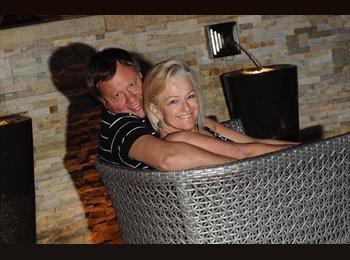 EasyRoommate UK - Martin & Diane - 60 - Swindon