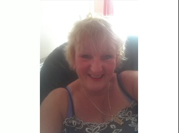 EasyRoommate UK - Philippa - 50 - South Somerset