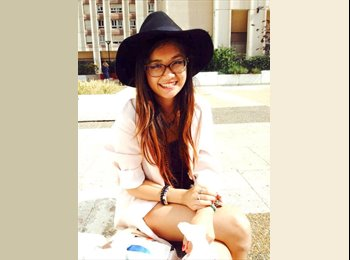 Caroline - 20 - Student