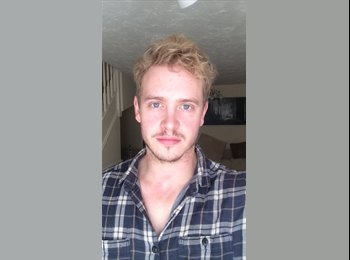 EasyRoommate UK - Aaron  - 27 - Derby