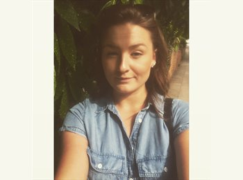 EasyRoommate UK - Veronika - 20 - Northampton