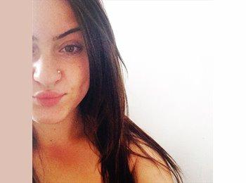 Shanna molyneux - 18 - Student