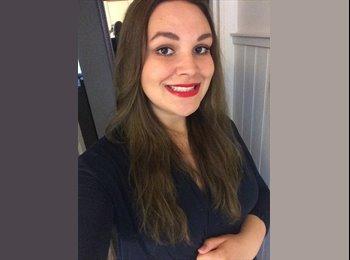 Deborah - 21 - Professional