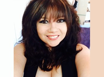 Katie - 19 - Professional