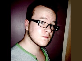 EasyRoommate UK - Phillip McHugh - 19 - Woking