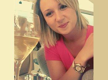 EasyRoommate UK - Danielle - 28 - Colchester