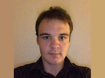 EasyRoommate UK - Christopher - 25 - Hatfield